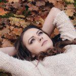 دلایل افزایش ریزش مو در فصل پاییز