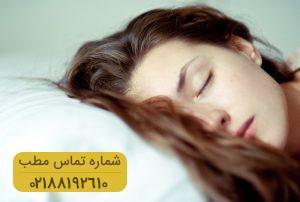 خوابیدن با موهای خیس درست است؟